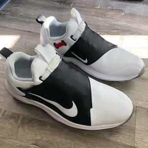 NWOT Nike Golf Tour Premiere